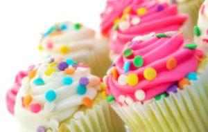 El cupcake, el ponquecito de moda que se quedó con nosotros. Conoce sus curiosidades y su diferencia con otros ponqués.