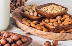 Haz clic para conocer los principales frutos secos y los beneficios que aportan a tu salud consumirlos diariamente.